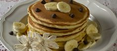 Enjoy these delicious grain-free banana spice pancakes for breakfast, lunch or dinner! Vegan Breakfast Recipes, Best Breakfast, Dessert Recipes, Pancake Breakfast, Pancake Muffins, Protein Pancakes, Breakfast Ideas, Buttermilk Pancakes Easy, Banana Chocolate Chip Pancakes