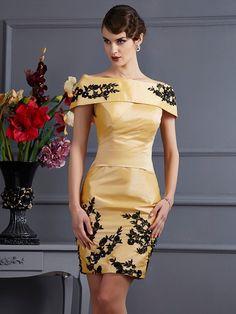 A-Line/Princess Strapless Sleeveless Applique Short Taffeta Bridesmaid Dresses