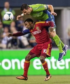Sounders win 2-0, move into first place in West!!!