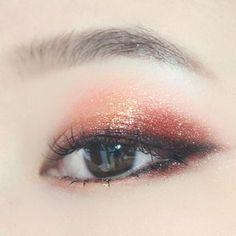 Eye makeup for Asian, makeup inspiration, eye makeup looks, Korean Makeup Look, Korean Makeup Tips, Korean Makeup Tutorials, Asian Eye Makeup, Make Up Looks, Cute Makeup, Hair Makeup, Gold Makeup, Make Up Inspiration