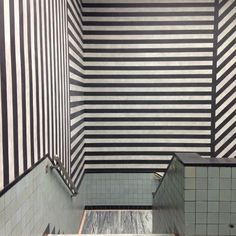 #Black and white #stripes Gemeente museum Den Haag. Love the building, the colors and the architect who designed it: Hendrik Petrus Berlage.