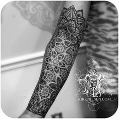 New tattoo geometric sleeve sacred geometry Ideas Dotwork Tattoo Mandala, Mandala Tattoo Sleeve, Geometric Sleeve Tattoo, Geometric Tattoo Design, Sleeve Tattoos, Fractal Tattoo, Mandala Design, Ganesha Tattoo Sleeve, Black Sleeve Tattoo