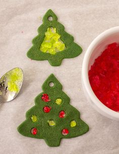 Check out how easy it is to make cookies with a stained glass look!