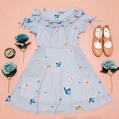 Baby Girl Frocks, Frocks For Girls, Dresses Kids Girl, Cute Girl Outfits, Little Dresses, Kids Outfits, Simple Frocks, Casual Frocks, Baby Girl Frock Design