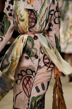 See all the Details photos from Burberry Prorsum Autumn/Winter 2014 Ready-To-Wear now on British Vogue Burberry Prorsum, Burberry Coat, Fashion Week, Runway Fashion, High Fashion, Fashion Show, Latest Fashion, Review Fashion, Fashion Models