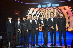Super Junior-M win 'Most Influential Group' at Kugou Music Award in China
