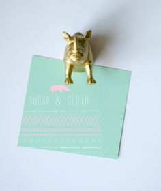 Awesome Animal Magnets--I need these for my office- especially the back half!  thanks to Sugar and Cloth!