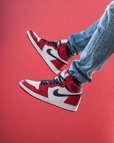 izzzynichols Nike Heels, Nike Air Shoes, Nike Air Jordans, Sneakers Mode, Cute Sneakers, Sneakers Fashion, Shoes Sneakers, Jordan 1, Jordan Shoes Girls