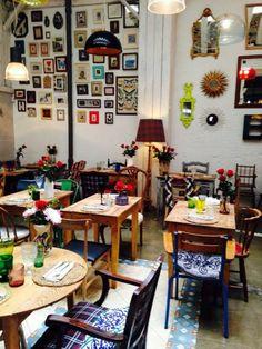 Restaurant, Cafe and Bars Archives Bar A Vin, Café Bar, Deco Restaurant, Restaurant Design, Coffee Shop Design, Cafe Design, Cafe Interior, Interior Design, Bar Deco
