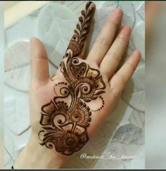We have got a list of top Arabic Mehndi designs for Hand. You can choose Arabic Mehndi Design for Hand from the list for your special occasion. Henna Hand Designs, Dulhan Mehndi Designs, Mehndi Designs Finger, Latest Arabic Mehndi Designs, Mehndi Designs Book, Mehndi Designs For Girls, Mehndi Designs For Beginners, Mehndi Design Photos, Wedding Mehndi Designs