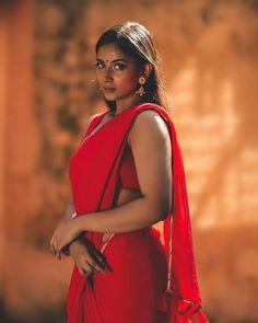 Beautiful Girl Indian, Beautiful Saree, Beautiful Women, Indian Actress Hot Pics, Indian Actresses, Beauty Full Girl, Beauty Women, Desi Girl Image, Bollywood Designer Sarees