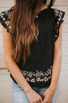 Embroidered blouse//coppertheory.com