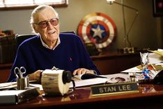 Who is Stan Lee? Marvel Comics writer Stan Lee passed away on Monday. Stan Lee passed on Monday at the age of 95 also known as man of 1000 comics. He was the former president of Marvel comics. Marvel Comics, Films Marvel, Marvel Comic Books, Marvel Fan, Captain Marvel, Captain America, Avengers Quotes, The Avengers, Avengers Imagines