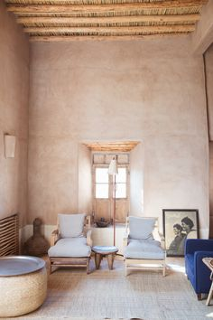 Kate Zimmerman Pictures – Maison – Décoration – Home – Interior Top Interior Designers, Best Interior Design, Interior Decorating, Interior Architecture, Interior And Exterior, Stucco Interior Walls, Stucco Walls, Casa Wabi, Rustic Home Interiors