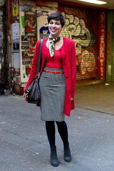 メルボルン City Center, MELBOURNE. Hannah King, waitress. Ladakh jacket, Motel leotard, vintage skirt and scarf, Rubi shoes. 【スライドショー】アジアの街角ファッションスナップ―ソウル、シドニーなど