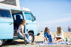 Our kind of lazy afternoon would be spending it on the beach, with our friends, and some refreshers. Beach Look, Beach Fun, Beach Party, Free Things To Do, Santa Monica, Baby Blue, The Dreamers, Surfing, Picnic