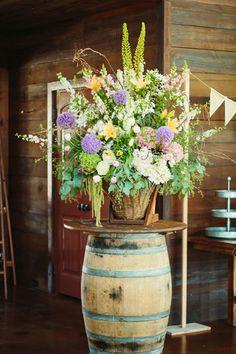 wildflower arrangement | Sara & Rocky #wedding