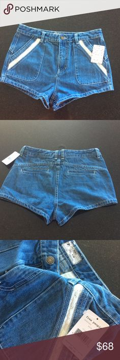 """Free People shorts Free People sweet surrender denim shorts in blue, size 29.  11.5"""" rise and 2"""" inseam.  NWT. Model pics from Pinterest to show fit. Free People Shorts Jean Shorts"""