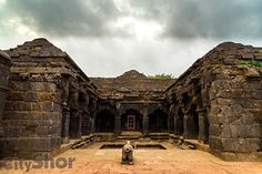 A Monument with an Evasive History in Mahabaleshwar