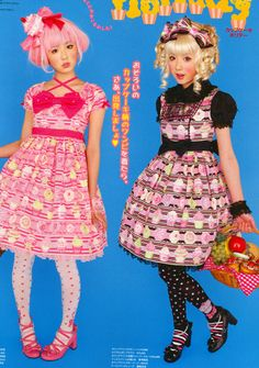 Super cute sweet Lolita makeup and hair.  Love the basket of foods too!  Awh!