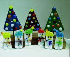 Купить Новогодние подарки, елки и снеговики, фьюзинг, уркашения - елки, подарки, фьюзинг стеклянный мастер