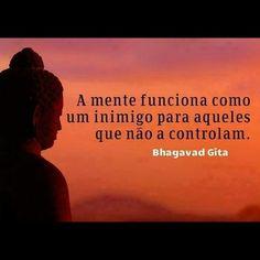 Para a grande maioria das pessoas, o pior inimigo mora dentro delas mesmas...  #reflexao #comportamento #atitude #educacao #desenvolvimento
