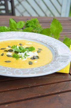 Porkkana-bataattisosekeitto Panna Cotta, Eat, Breakfast, Ethnic Recipes, Food, Morning Coffee, Meals, Morning Breakfast