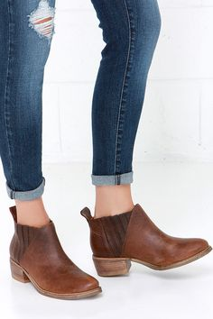 These Brown Leather Ankle Boots ✔️
