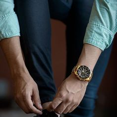 I love watches so much! But they have to look good with your outfit so choose the right watch for the right outfit. Watches Photography, Photography Jobs, Photography Portfolio, Digital Photography, Amazing Photography, Selling Photos, Medical Weight Loss, Well Dressed Men, Male Beauty