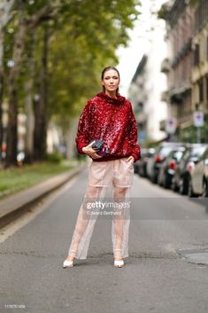 News Photo : Landiana Cerciu wears a glittering sequined red. Daily Street Style, Milan Fashion Week Street Style, Fashion Pictures, Style Pictures, Lace Skirt, Sequin Skirt, Ankle Strap Heels, Pale Pink, Spring Summer