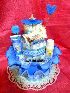 Le torte di pannolini di V&V CREAZIONI ♥ www.facebook.com/... * Queste sono tutte le mie creazioni. Creazioni che possiedo e ho fatto da me! Tutte queste immagini sono mie, e sono protetti da copyright! Si prega di non prenderlo senza il mio consenso. V&V Creazioni: My Diaper Cakes ♥ These are all of my creations. Creations I own and I made by myself! All of these images are mine, and are protected by copyright! Please don't take it without my approvation ♥