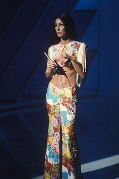 Seventies Fashion, 70s Fashion, Vintage Fashion, Fashion Trends, Bold Fashion, Fashion Shoot, Hippie Chic, Coachella, Cher Photos
