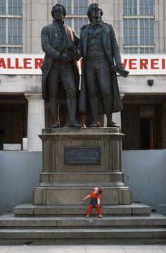 Magnum Photos — Thomas Hoepker — East Germany, Weimar during 1000 year celebrations. Goethe and Schiller monument in front of the theater
