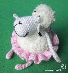 А вот и обещанный мастер класс! Для создания овечки необходимо : Ниточки белого, розового и чёрного цвета YarnArt Etamin;...