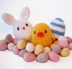 Free crochet pattern - Amigurumi Easter Decorations