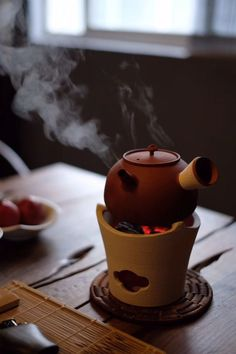 It really is okay to refuel by taking time for yourself … even if it's only with small actions like quietly drinking a cup of tea. Tea Culture, Cuppa Tea, Chinese Tea, Tea Art, Cooking Gadgets, My Cup Of Tea, How To Make Tea, Tea Ceremony, Traditional Kitchen