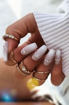 Wedding nails inspirations for the perfect wedding look. Here you will find the best nail ideas for your wedding day from simple nail designs to sophisticated nails art ideas. Each bride will find something special and unique. Red Nail Designs, Creative Nail Designs, Simple Nail Designs, Creative Nails, Rose Nails, Pink Nails, Pastel Nails, 3d Nails, Sophisticated Nails