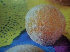 Berlinesas con dulce de membrillo. Ver receta: http://www.mis-recetas.org/recetas/show/90341-berlinesas-con-dulce-de-membrillo