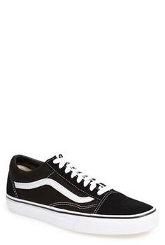 45b969124d Main Image - Vans  Old Skool  Sneaker (Men)