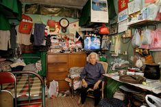 Michael Wolf's classic 2006 series documents 100 dwellings measuring approximately 100 square feet in HK's oldest public housing estate. The project, shot at Shek Kip Mei Estate, is Wolf's 'investigation into the use of limited space'… Casa Top, Michael Wolf, Wolf Photography, Brush Drawing, Indochine, People Of The World, China, Hong Kong, Photo Art