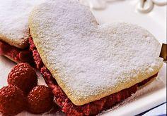 Biscoito recheado em formato de coração
