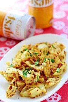 「蓮根のカレーマスタードマヨ炒め」マヨネーズで炒めちゃうので、油は使いません。蓮根は乱切りの他、叩いてから適当にちぎっても食感がよく美味しいです。【楽天レシピ】