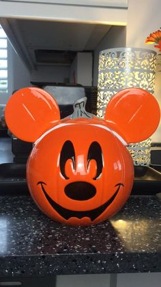 Halloween Inspo, Halloween Treats, Halloween Decorations, Disney Pumpkin Carving, Cookie Jars, Superhero Logos, Dolls, Diy, Baby Dolls