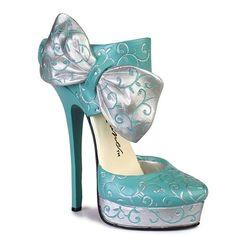 Right Shoe sculpture by Lorraine Vail #www.shoeniverse.info
