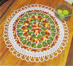 centro de mesa com flores e folhas em croche em croche com receita
