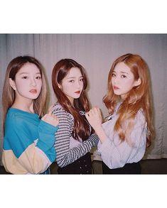 seoyeon, jisun&jiwon ig: discovered by 𝒏𝒂𝒔𝒕𝒎𝒂𝒚. South Korean Girls, Korean Girl Groups, Ulzzang, Lee Seo Yeon, Pre Debut, Fandom, Friend Pictures, Our Girl, Nayeon