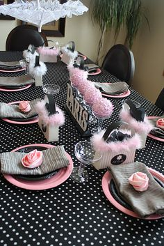 I love this Paris party theme--and the colors! This is the color and decorating scheme for my bedroom. Paris Party, Paris Themed Birthday Party, Birthday Party Themes, Birthday Ideas, Birthday Table, Sweet 16 Parties, Pink Parties, Thema Paris, Deco Rose