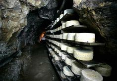 Cabrales artisanal cheese making factory. Luis Carré/ © ICEX