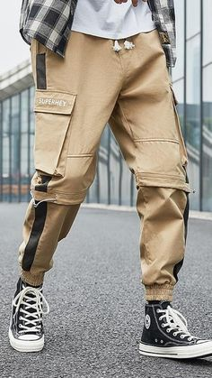 Cargo Pants Outfit Men, Mens Jogger Pants, Joggers Outfit, Men Pants, Mens Clothing Trends, Boys Clothes Style, Camo Outfits, Streetwear Jackets, Hobgoblin