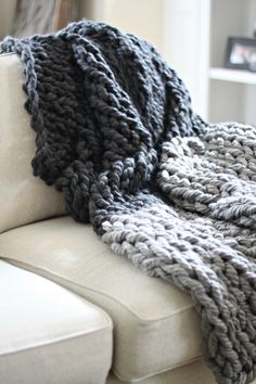 Seriously, this is the EASIEST chunky throw ever! Yep, it's a good ole' DIY. I LOVE this project because anyone can make it. You don't need to know anything about knitting! I made a really simple You Chunky Yarn Blanket, Hand Knit Blanket, Crochet Blanket Patterns, Chunky Knit Throw, Scarf Patterns, Doll Patterns, Stitch Patterns, Finger Knitting Projects, Diy Love